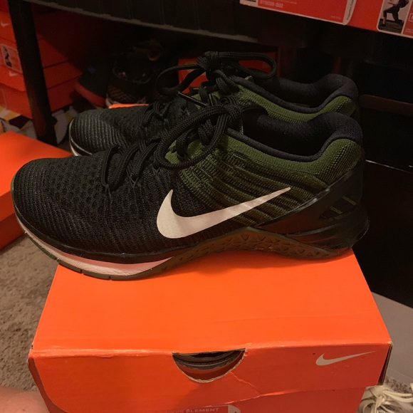 Nike Shoes - Nike metcons dsx flyjnit size 7